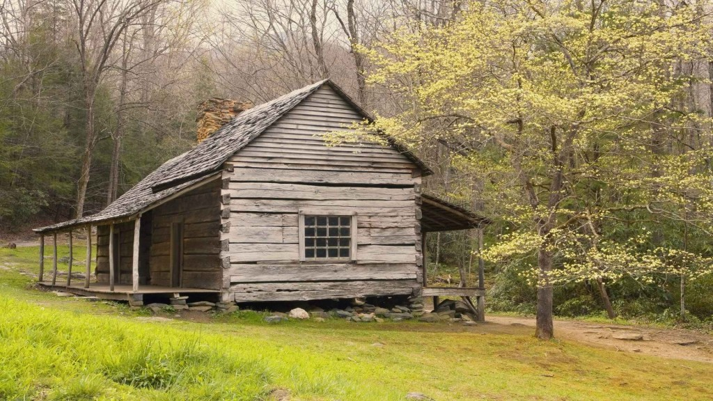 wooden-house-in-the-nature_097555
